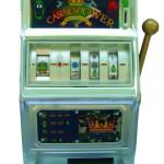 Casino Power, 2007. Bois, métal, papier, velours,126 x 48 x 48 cm. Jeu de casino type «bandit manchot» sur caisson.